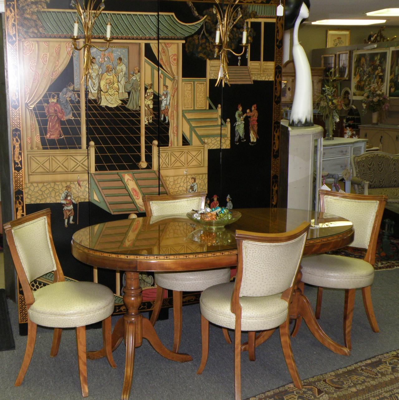 ... Dining Table And 4 Chairs Vignette.