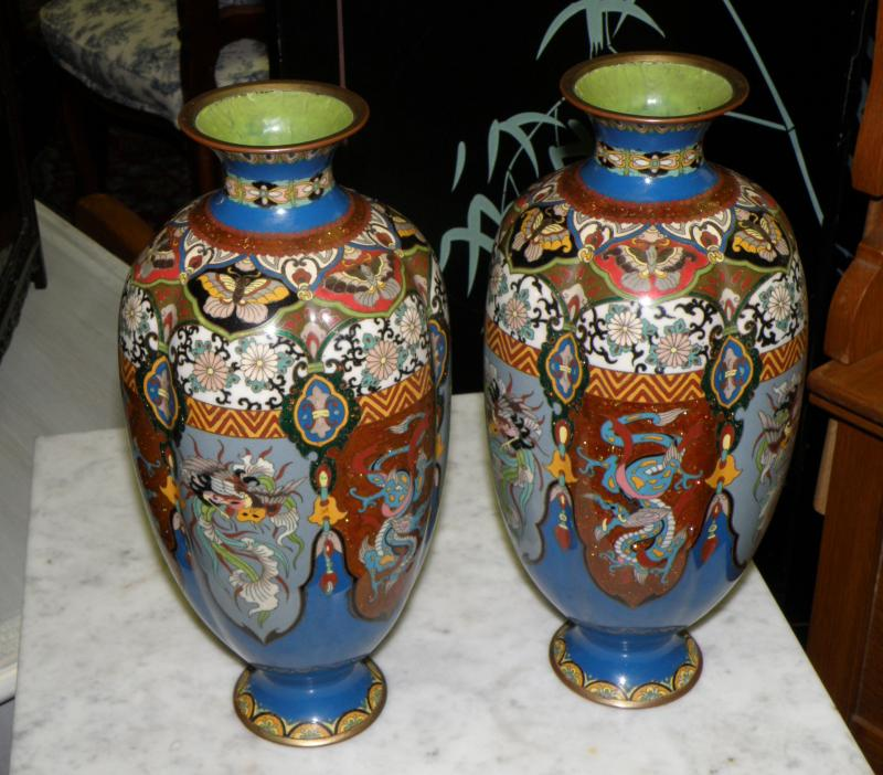 Extremely Nice Ribbed Pair of Cloisonne Vaese, 19th Century