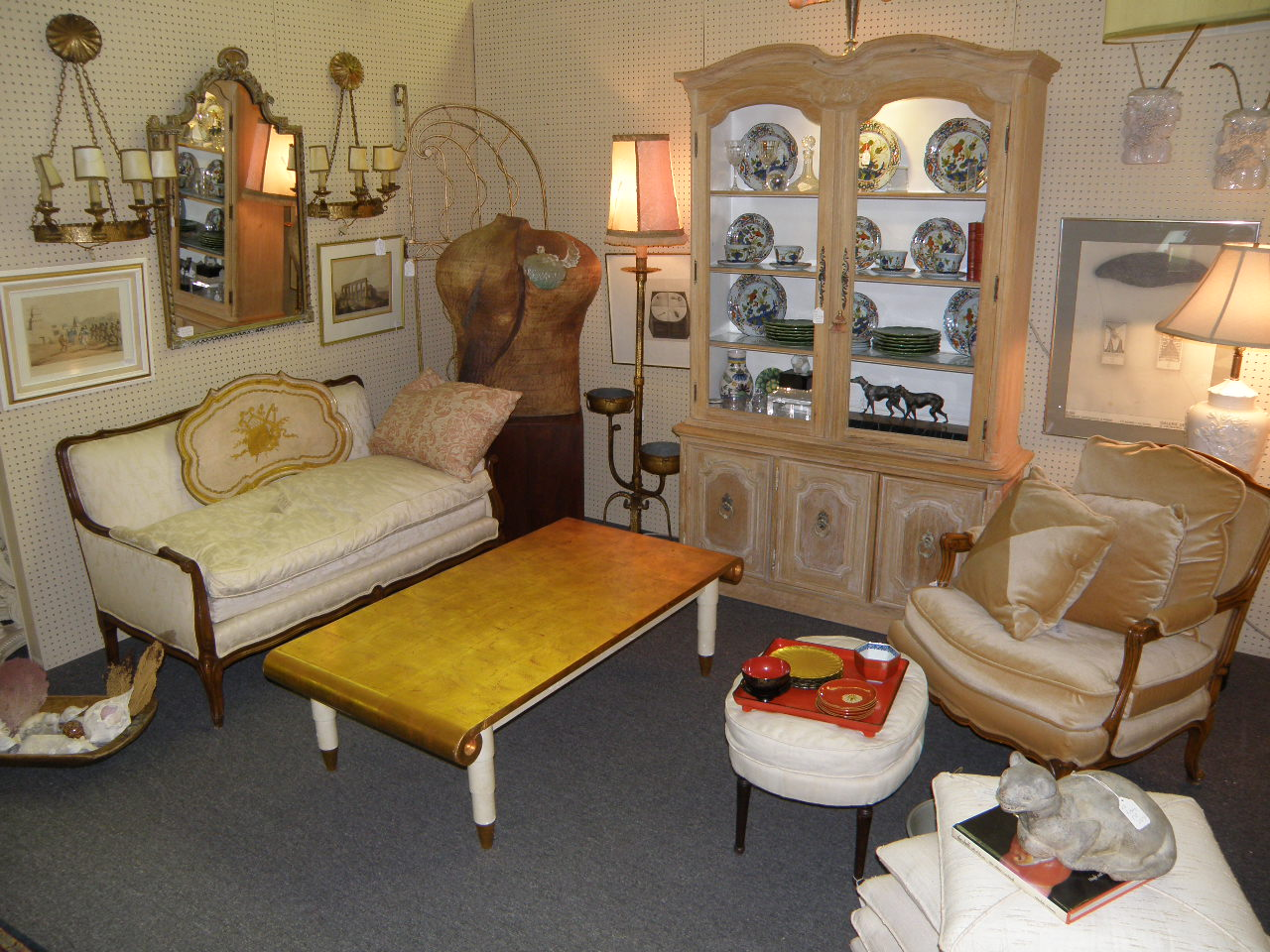 And theme of your room if your room is formal a symmetrical design