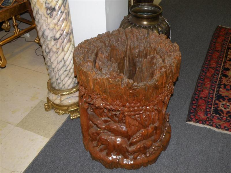 Incredible Carved Tree Trunk Base Dining Table 800 x 600 · 71 kB · jpeg