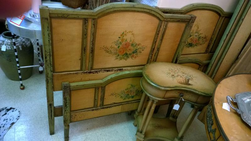 Pair Painted Twin Beds - Antique Galleries Of St. Petersburg - Antique, Primitive, Mid